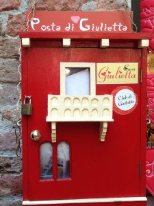 Verona_Postkasten Julia
